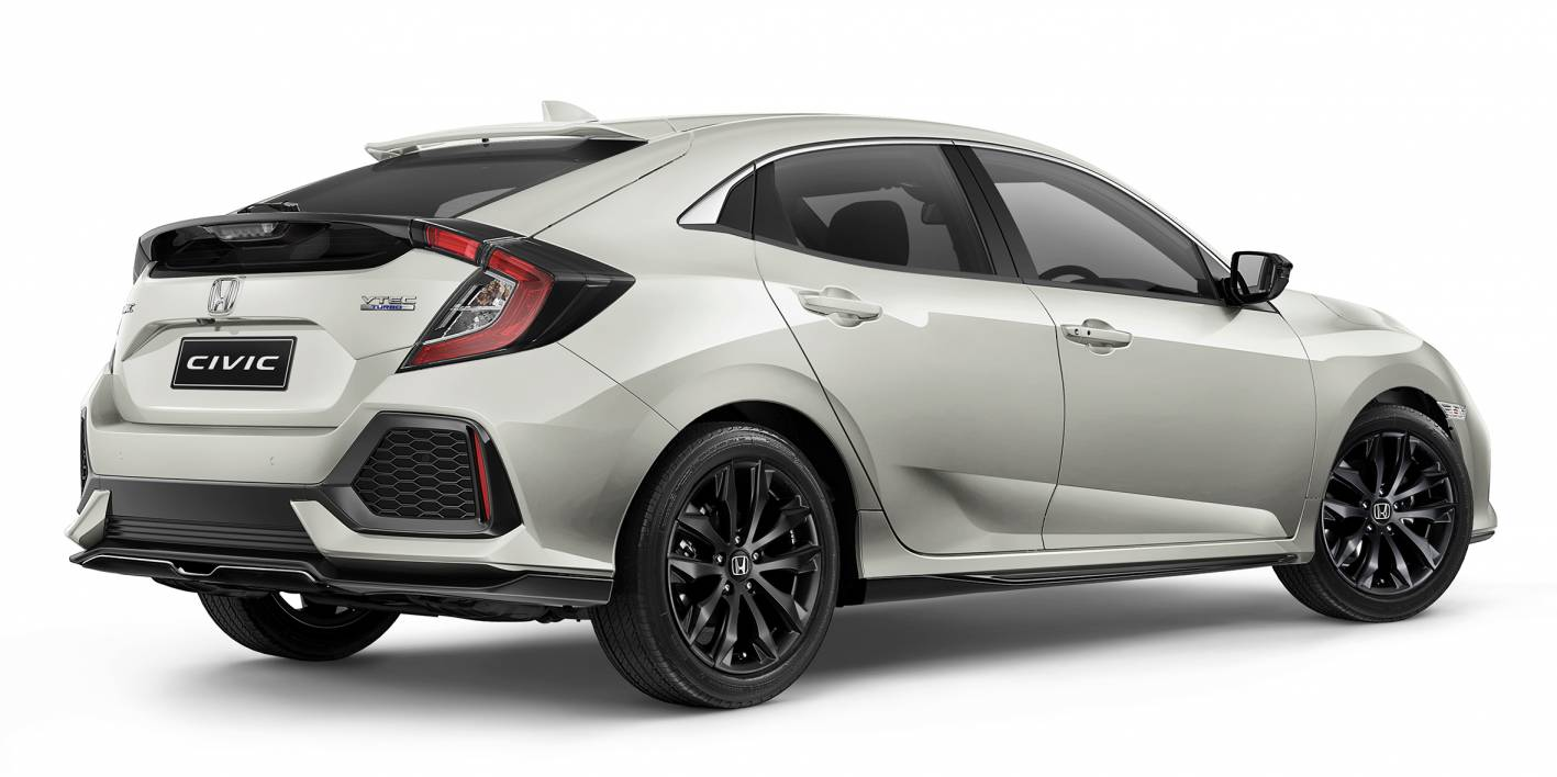 2017-Honda-Civic-hatch-Black-Pack-rear.jpg