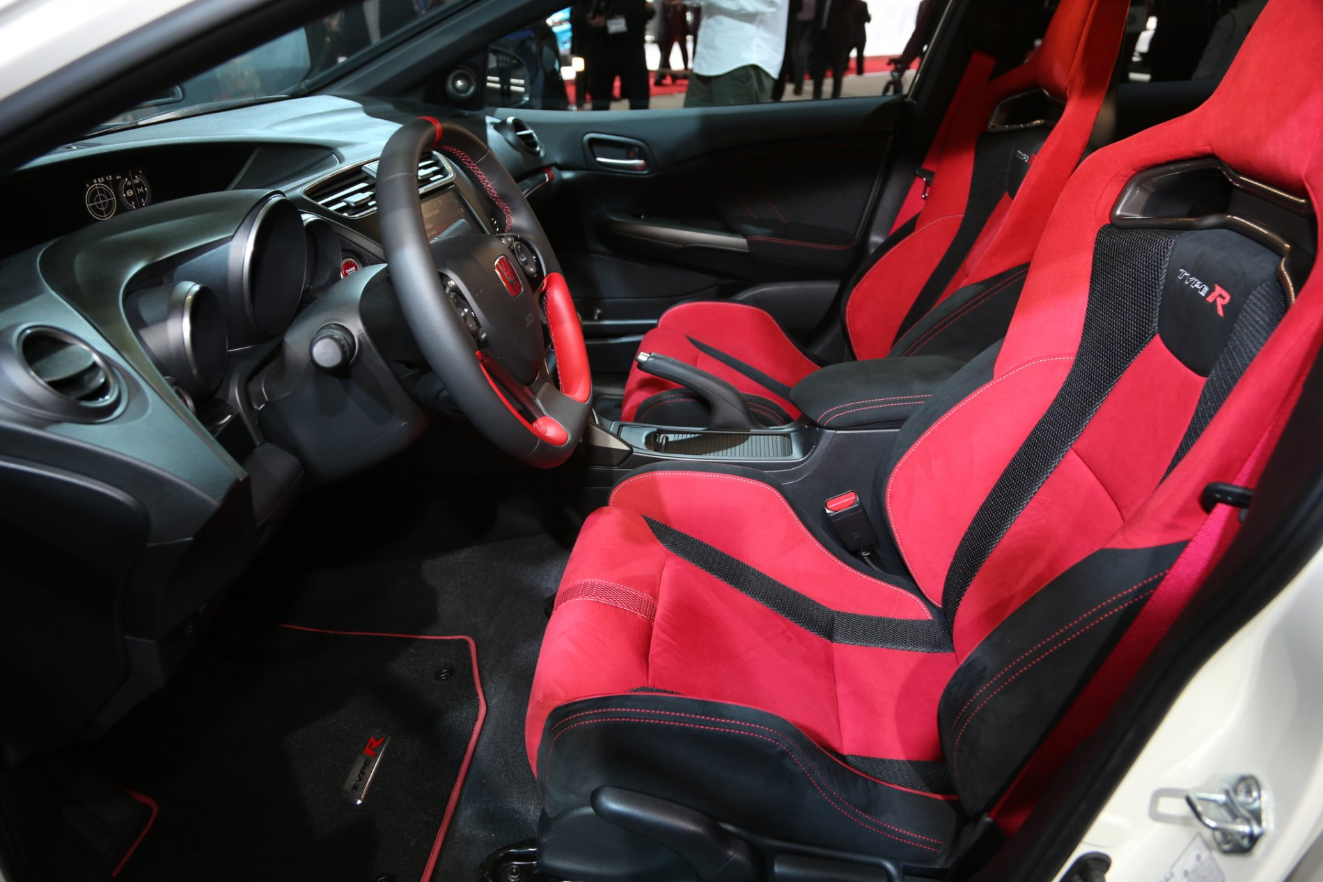 Honda-Civic-Type-R-front-interior.jpg