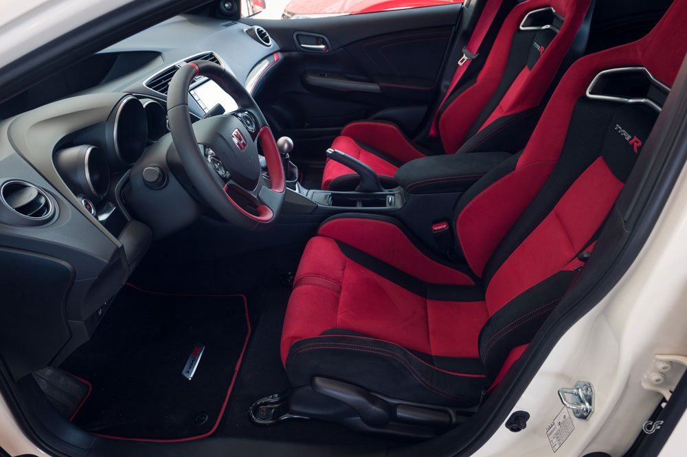 Honda-Civic-Type-R-interior.jpg
