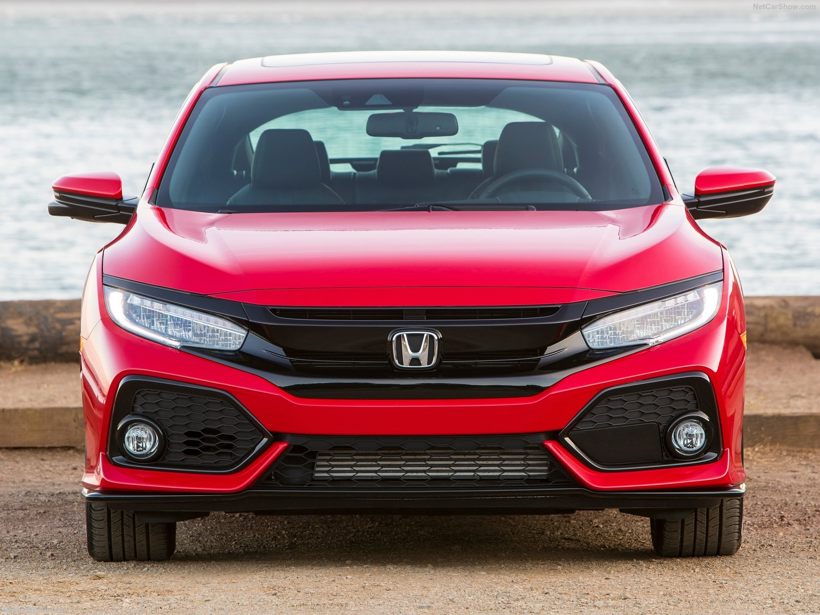 Honda-Civic_Hatchback-2017-1600-66.jpg